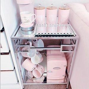 Pink Frigidaire 9 can mini cosmetic fridge